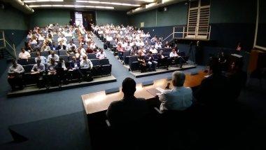 Representantes de transportadoras e de cooperativas de transporte participam do segundo dia de reuniões temáticas a respeito do Piso Mínimo  de Fretes