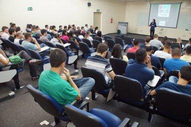 DIA-LOG comemora a marca de 20 visitas para discussão sobre logística
