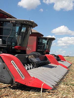 Vendas de colheitadeiras têm queda de 30% no ano